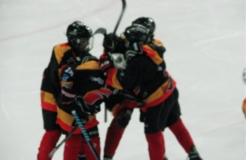 Mlajši dečki v dresi ekipe HDD Bled že drugič v istem vikendu na led